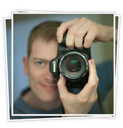 A picture of Tor Håkon holding a camera.