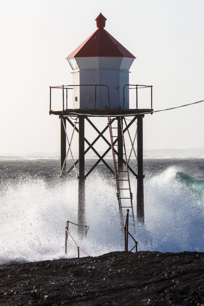 Nærbilde av lanternen ytterst på Kvalen, Haugesund